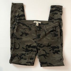 Life In Progress camouflage /camo Jeans size 26